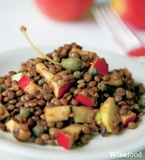 Salat med linser, æble og kapers