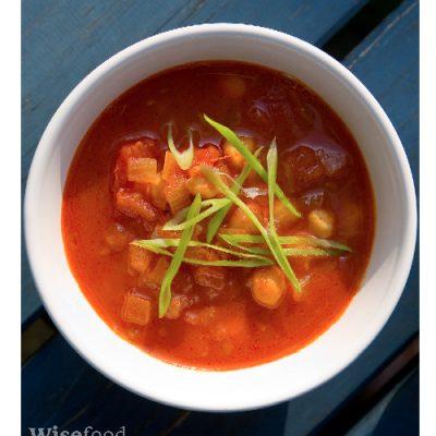 Krydret suppe med kikærter og tomat