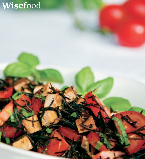 tomatsalat med arame og marineret tofu opskrift