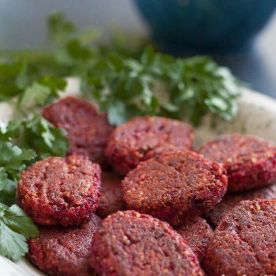 Rødbede-deller med quinoa