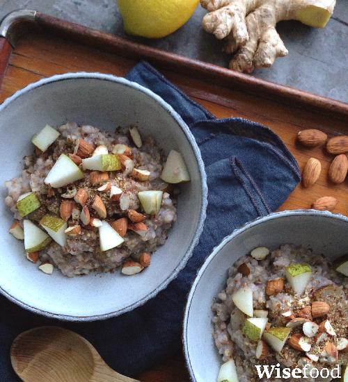 Boghvedegrød med pærer