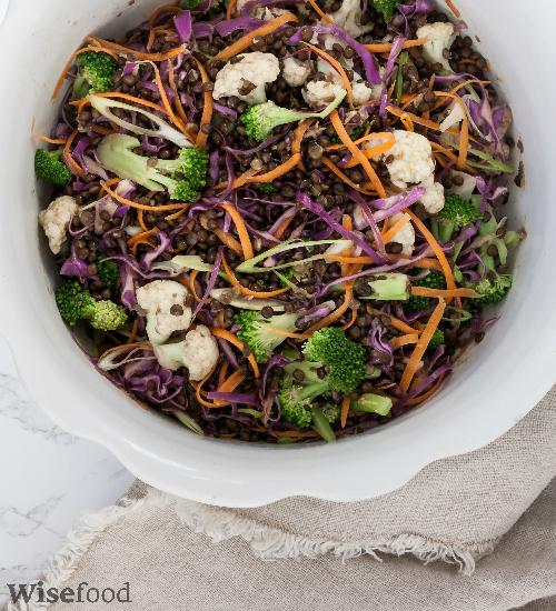 Kålsalat med belugalinser – fra Kål og Kærlighed