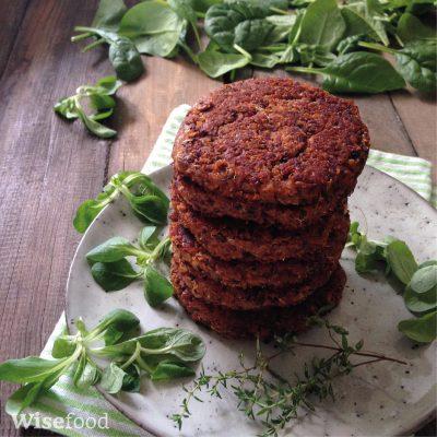 Plantebøffer af quinoa og bønner